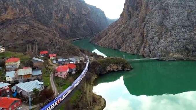 Ost Express Grouss Landschaft Ilic Erzincan