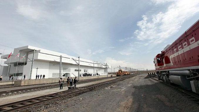 Baku-Tbilisi-Kars liña ferroviaria visión do proxecto turkiyenin