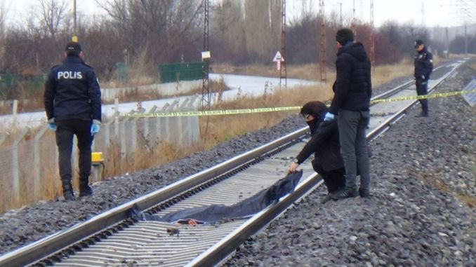Kutahyada train tracks found the body of the woman smashed