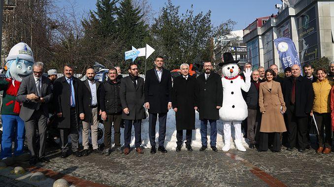 sněhové překvapení při prezentaci karfestové akce