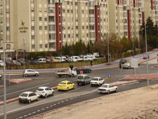 l'intersection de konya buyuksehir applique une signalisation intelligente