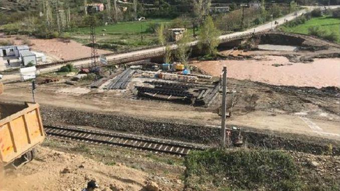 Como resultado da licitación, a construción dun paso público na estrada de malatya cetinkaya