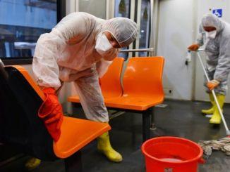 Ankaray reisijad reisivad maja koristamisel