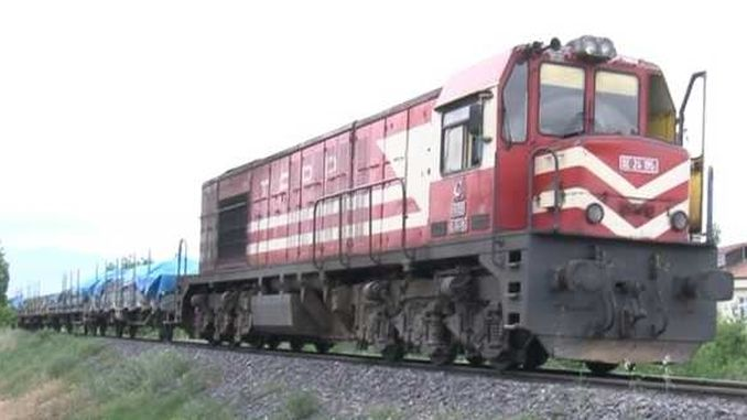 The machinist of the freight train who was caught in stone in Mersin was injured
