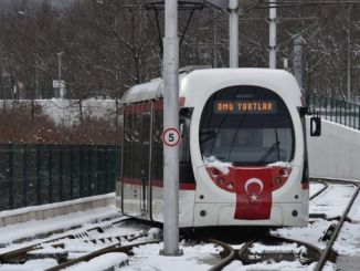 Samsun trams overcame the snow barrier and rail heaters worked