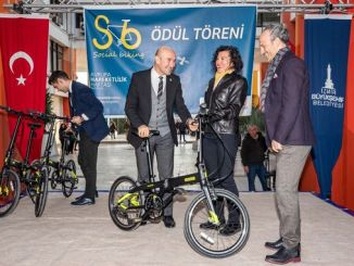 tunc soyer awarded the bikers from izmir