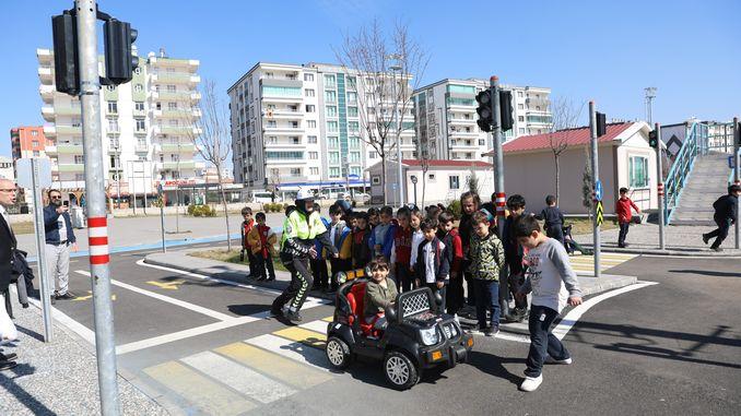 Trafik Eğitim Parkında Çocuklara Trafik Eğitimi Verildi