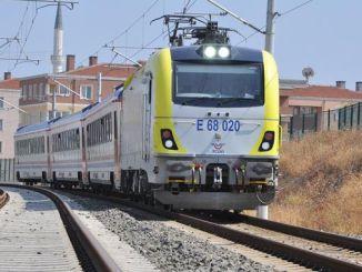 número de passageiros diminui no trem regional adapazari pendik