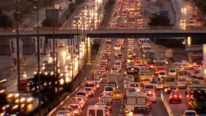 ينتشر الفيروس التاجي في العالم ، وانخفاض حركة المرور