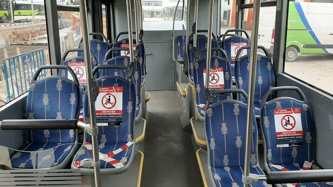 Nəqliyyat avtobuslarında iki nəfər yan-yana oturmur