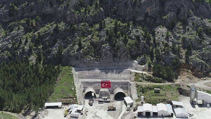 Between alacabel tunnel and konya alanya will fall to the hour