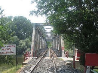 mga track ng tren