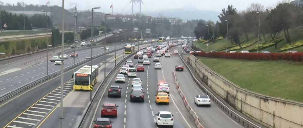 istanbulda uyarilara ragmen trafikteki arac sayisi ancak yuzde azaldi