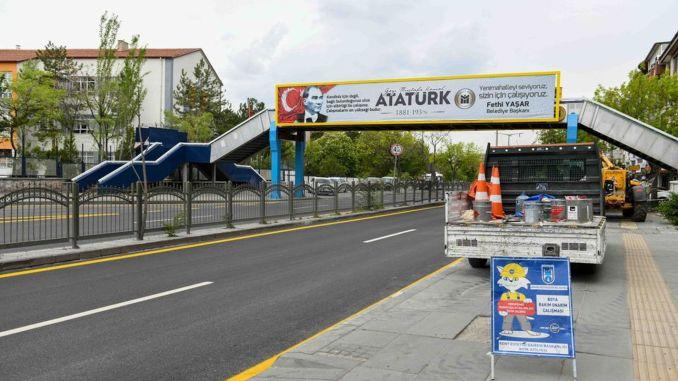 Trang điểm cho các trường học và cổng trên ở Ankara