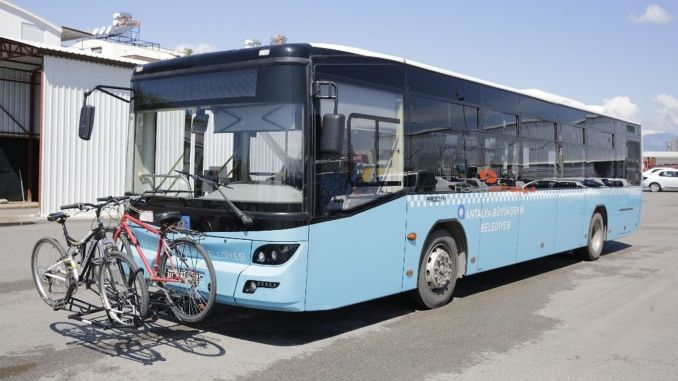 Autobusi sa biciklima koji nose bicikle stavljeni su u upotrebu u Antaliji