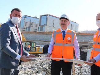 ministrul a investigat drumurile spitalului din orașul Basaksehir cu karaismailoglu