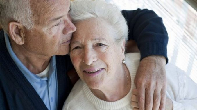 Why are elderly people at risk for covid
