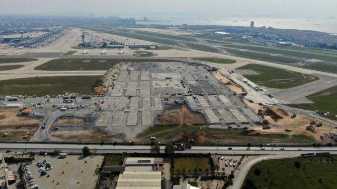 Description of dhmiden ataturk airport runways