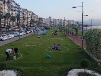 Perioada de distanță socială circulară în zona verde din Izmir