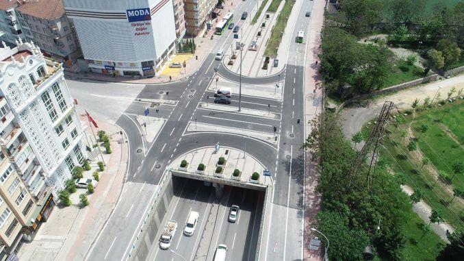 伊茲密特古爾特佩十字路口的瀝青路面已竣工。