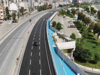 ribu ton aspal di jalan-jalan Izmir dalam beberapa hari