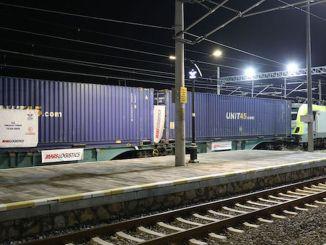 Eerste exporttrein verhuist met marmaray naar Europa