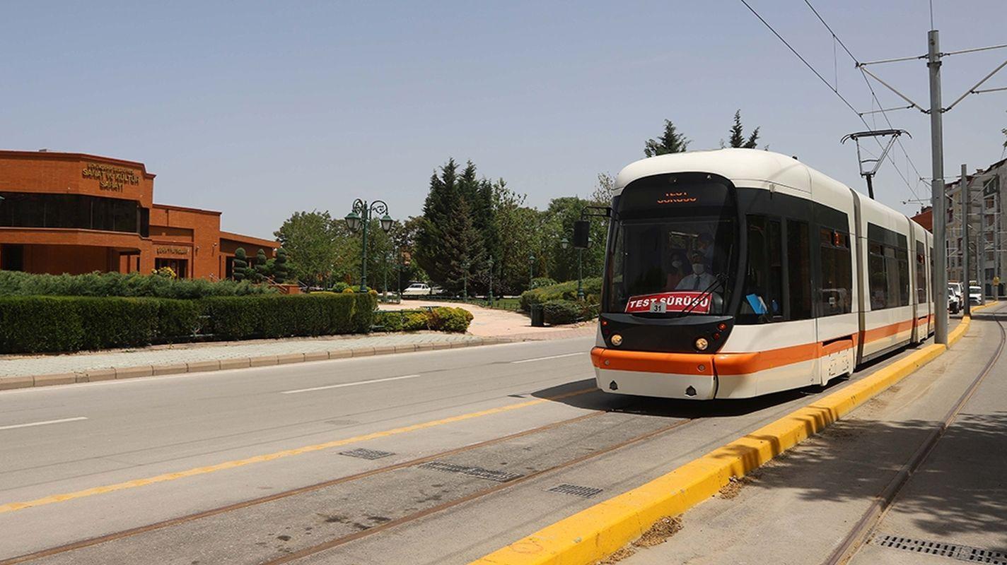 Orientierungstraining an der Opern-Kumlubel-Straßenbahn während der Ban-Tage