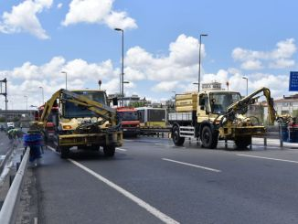 Comprehensive cleaning on the highway
