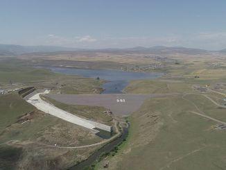Den modsatte dæmning, som er en af de største investeringer, bliver taget i brug