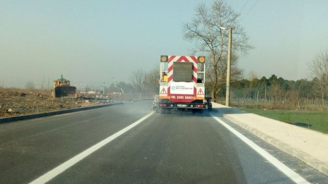 roads in Kocaeli are painted with walnut paints