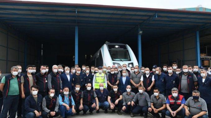 tren electric național pentru a începe testele feroviare și rutiere în august