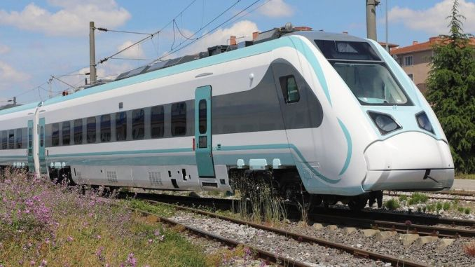 националният влак ще бъде на релсите през месеца