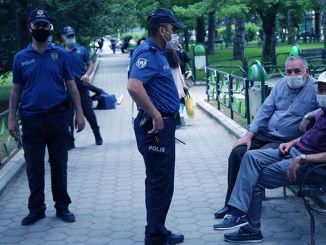Fredelige gader blev implementeret over hele landet