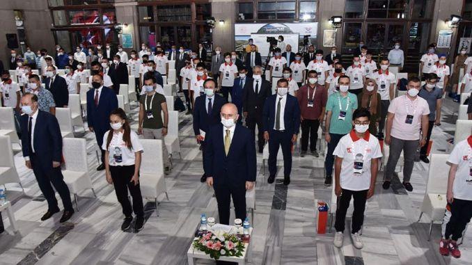 duch júl spočíva v stanici Ankara