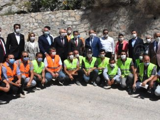 menteri mempelajari pekerjaan jalan di muglada dengan karaismailog