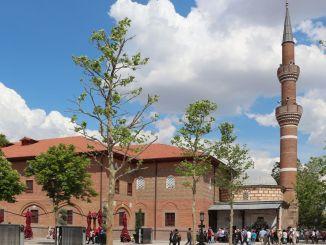 Over de Haji Bayram i Veli-moskee