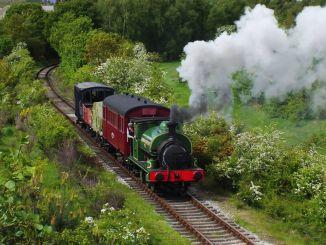 何時何地建造了第一台蒸汽機車