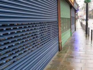 أغلقت آلاف الشركات في النصف الأول من العام بسبب الوباء