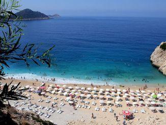 nyaralási terv teszi a legtisztább strand a figyelmet turkiyenin