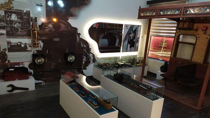 tcdd伊茲密爾向參觀者展示土耳其鐵路的歷史