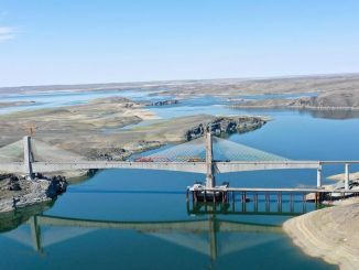 New railway line of Xinjiang Uygur Autonomous Region is completed