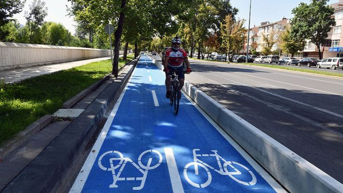 Ankara has its first bicycle path