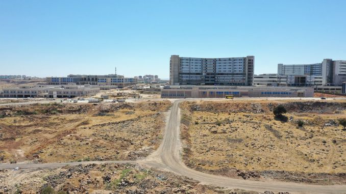 Mayor Şahin Examined Gaziantep City Hospital Environment Reconstruction Roads Study