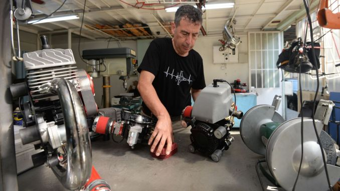 beursondernemers exporteren de motoren die ze produceren met lokale kansen naar de wereld.