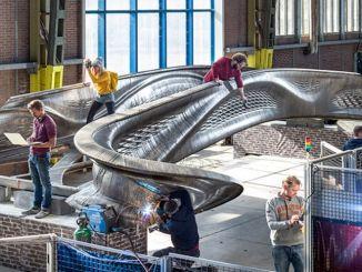 digiwave lyssignatur ved svejsning af verdens første trykte metalbro