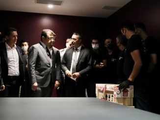 İBB Tarafından Satın Alınan Fatih Sultan Mehmet'in Tablosu Yuvasına Döndü