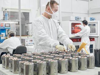 miliony dolarů zůstaly v zemi díky národním tepelným bateriím