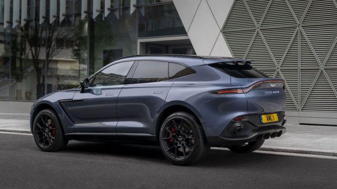 Първият в историята SUV Aston Martin DBX Tool в Турция
