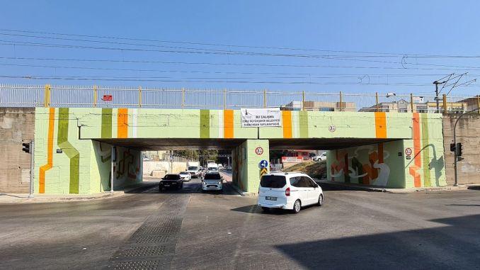 Unterführungen treffen Kunst in Izmir
