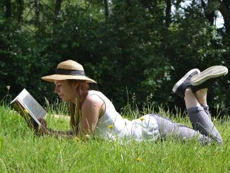 احترس مما إذا كان السطر الذي تنظر إليه أثناء قراءة الكتاب أجوفًا وملتويًا